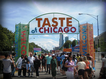 Taste of Chicago has gotten smaller in recent years, but the food offerings are still more than I can eat on a  restricted diet.