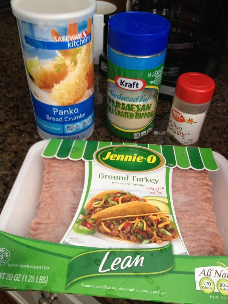 Turkey meatball ingredients include lean ground turkey, panko breadcrumbs, low-fat cheese and Italian seasoning.