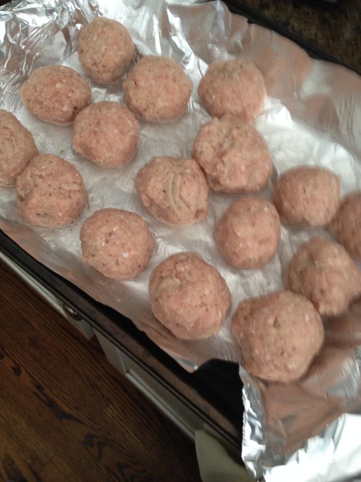 Turkey meatballs are a low-fat, low-salt alternative to beef meatballs.