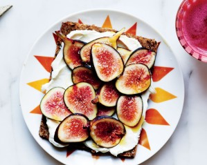 Toast, yogurt and figs? With figs, how could it be bad?