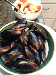 Mussels and fruit